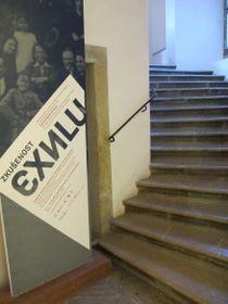 Плакат выставки «Опыт изгнания», Фото: Катерина Айзпурвит, Чешское радио - Радио Прага