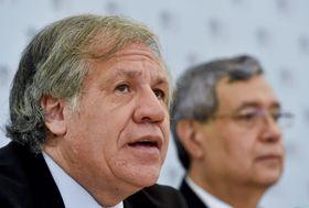 De izquierda: Luis Almagro y Jafeth Cabrera Franco, foto: ČTK