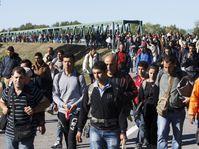 Migrants walk towards Hungary across a bridge over River Drava in Croatia, September 21, 2015, photo: CTK