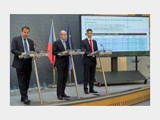 Jan Mládek, Bohuslav Sobotka, Karel Kučera, photo: CTK