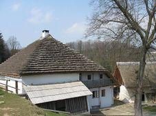 Vodní mlýn v Hoslovicích, foto: Jiří Novák, CC BY-SA 3.0