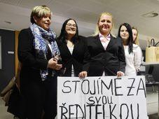 Ivanka Kohoutová (à gauche), photo: ČTK