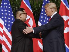Kim Jong-Un und Donald Trump (Foto: ČTK / AP Photo/ Evan Vucci)