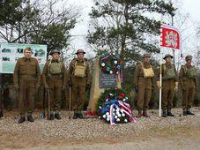 La commémoration de l'opération militaire Anthropoid à Nehvizdy, photo: Marcela Volfová / Site officiel de Rota Nazdar