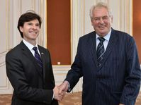 Andrew Shapiro et Miloš Zeman, photo: ČTK