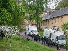 Intervention policière contre des squatteurs à la propriété de Cibulka, photo: © Petr Vrabec foto
