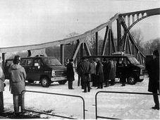 L'échange sur le pont Glienicker Brücke le 11 février 1986, photo: wmediation.com