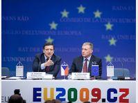 José Manuel Barroso et Mirek Topolánek, photo: CTK