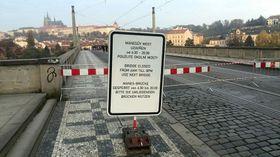 Große Feier: Die Mánes-Brücke ist am Samstag für den Verkehr gesperrt (Foto: Martin Králíček, Archiv des Tschechischen Rundfunks)