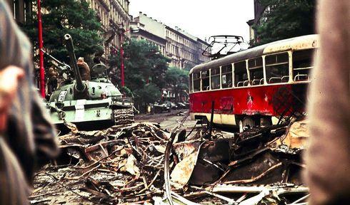 Prague, august 1968, photo: Leszek Sawicki