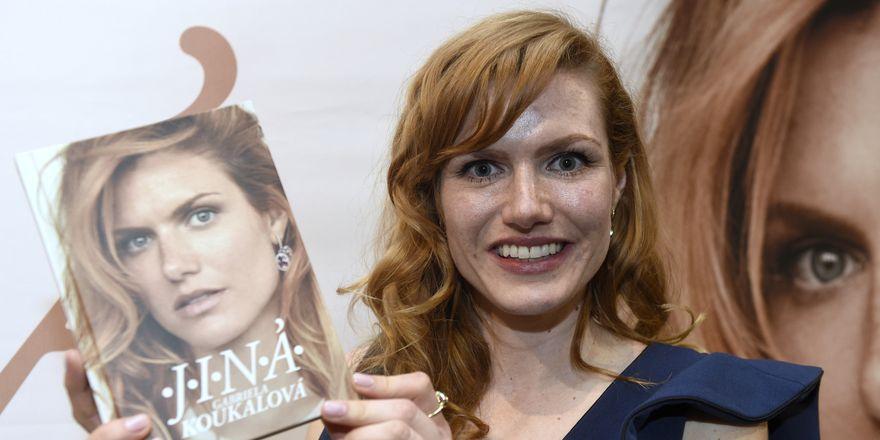Габриэла Коукалова выпустила автобиографию под названием «Другая» (Jiná), фото: ЧТК