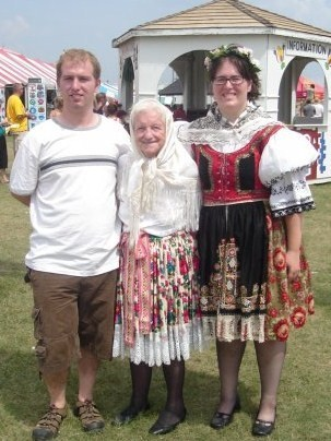 Jana Vaculik – Babicka a vnoucata My grandmother has instilled in my brother and I the love of the Czech language and culture. She is going to be 94 and has taken us to the Czech Republic in order for us to learn the language.
