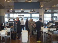 Проверка службой безопасности в пражском аэропорту им. Вацлава Гавела, Фото: Клара Стейскалова, Чешское радио - Радио Прага