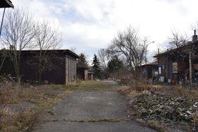 Les ruines d'une ancienne école, lieu du film Obecná škola, photo: Vojtěch Ruschka