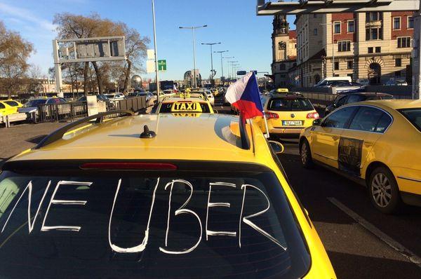 A protest by taxi drivers in Prague in 2017, photo: Ľubomír Smatana, Czech Radio