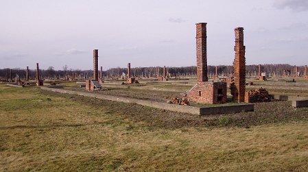 Theresienstädter Familienlager in Auschwitz (Foto: Raduz, Wikimedia Public Domain)