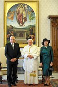 Audience of President Václav Klaus and his wife Livie with Pope Benedict XVI at the Vatican on May 30 2009. Photo: www.mzv.cz