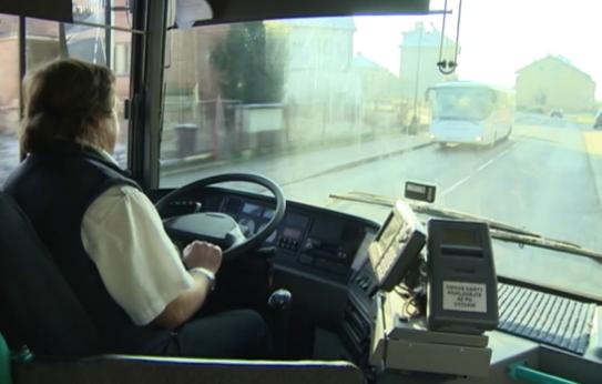 bas salaires les chauffeurs d autocar annoncent une gr ve nationale radio prague. Black Bedroom Furniture Sets. Home Design Ideas