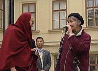 Dalai Lama und Dana Němcová (Foto: ČT24)