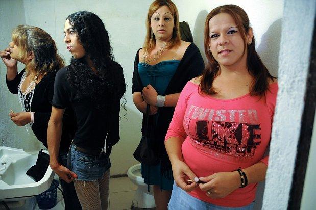 que son los burdeles por que los hombres van con prostitutas