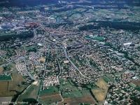 Letecký pohled na městečko Gardanne (Foto: www.ville-gardanne.fr)