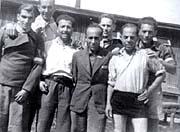 Das Fälscherkommando nach der Befreiung; zweite Reihe rechts: Adolf Burger