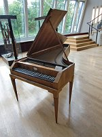 Fortepiano by Anton Walter, photo: Gérard Janot, Wikimedia CC BY-SA 3.0