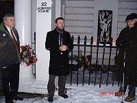 Vzpomínkového shromáždění se zúčastnili mimo jiné: Antonín Hradilek, zástupce velvyslance, otec Lukáš Engelmann, Antonín Stáně. Foto: Markéta Luskáčová, webový archiv londýnského Velehradu