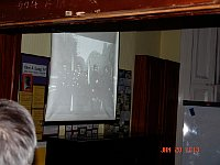 Promítání záběrů z pohřbu Jana Palacha, foto: Markéta Luskáčová, webový archiv londýnského Velehradu