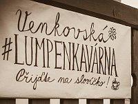 """Lumpencafé"" - ""lumpenkavárna"" (Foto: Martin J. Rýznar, Twitter)"