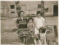 Harry Pollak s matkou a vychovatelkou v roce 1928, foto: archiv Harryho Pollaka