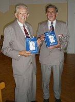 Jan Přidal (vlevo) inicioval vznik vzpomínkové knihy Sokolský odboj na Moravě 1939 - 1945, foto: Sokol Přerov