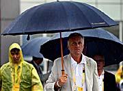 Премьер-министр ЧР Мирек Тополанек в Пекине (Фото: MF DNES, Михал Ружичка, 15.8.2008)