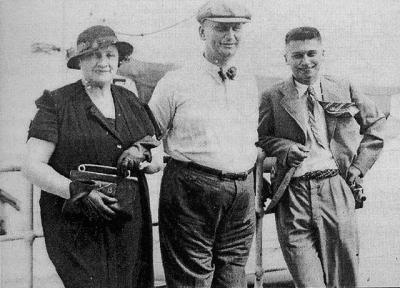 Marie Baťová, Jan Antonín Baťa a Tomáš Baťa Jr. na lodi do USA ...