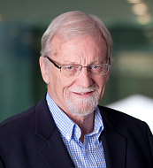 Gareth Evans, photo: archive of Gareth Evans, CC BY-SA 1.0