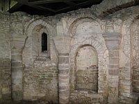 Romanische Krypta (Foto: Dezidor, Creative Commons 3.0)