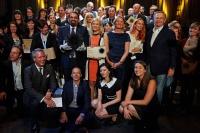 Letošní držitelé Ceny Nadace Erste cenu za přínos sociální integraci (Foto: Nadace Erste)