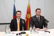 Předseda vlády Republiky Makedonie Nikola Gruevski a premiér Petr Nečas (Foto: www.vlada.cz)