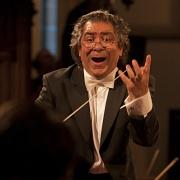 Dirigent Riccardo M. Sahiti (Foto: auschwitz-requiem.webs.com)