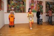 Na vernisáži vystoupila taneční hip-hopová skupina Street Dancee
