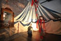 Cirkusové šapitó (Foto: Lenka Grossmannová, Muzeum romské kultury)