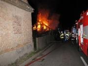 Požár domu ve Vítkově (Foto: www.hzsmsk.cz)