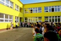 Základní škola Pod lesíkom (Foto: www.zssarmich.stranka.info)