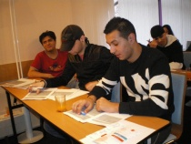Studenti (Foto: www.dzadureder.cz)