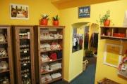Dobročinný obchod Buťi v Plzni (Foto: Eva Haunerová)