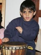 Děti nejvíce lákala hra na africké bubny djembe (Foto: Eva Haunerová)