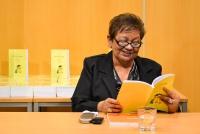 Irena Eliášová při slavnostním křtu knížky Chci se vrátit do pohádky v úterý 8. prosince v Krajské vědecké knihovně v Liberci (Foto: Jan Vrabec, www.liberec.cz)