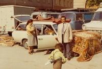 Obchodování s koberci, kolem roku 1970 (Foto: Muzeum města Vídně)