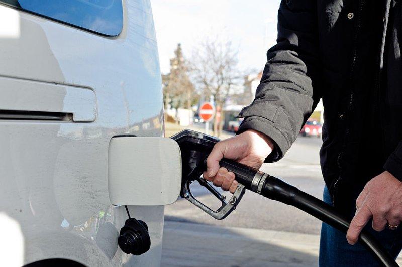 Der Übergang mit 80 auf 92 Benzin das Gas 53
