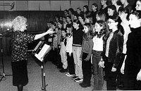 Blanka Kulínská mit dem Kinderchor (Foto: Archiv des Tschechischen Rundfunks)